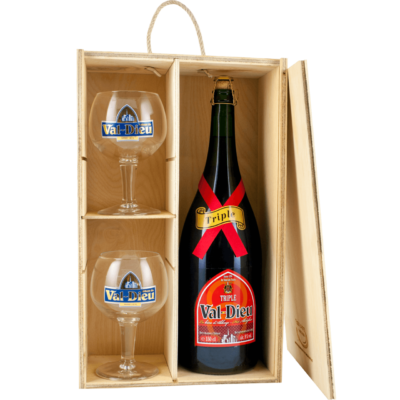 Birra Val Dieu Triple Magnum con bicchieri